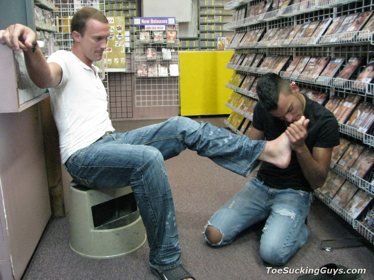 Gay Foot Fetish Appreciation While Shopping Can Be Fun-6898